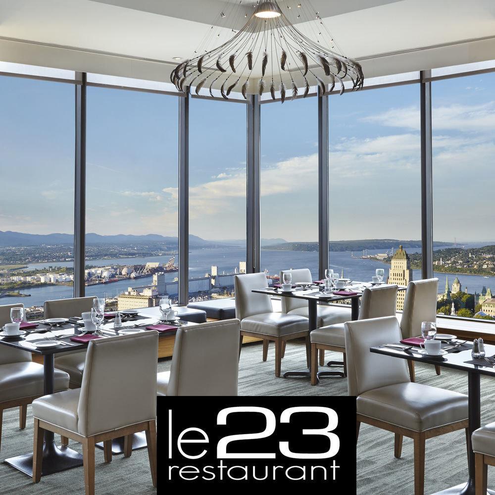 chair property restaurant condominium Resort home Villa lawn set shore