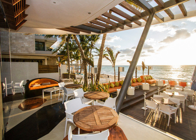 chair property restaurant Resort Villa dining table