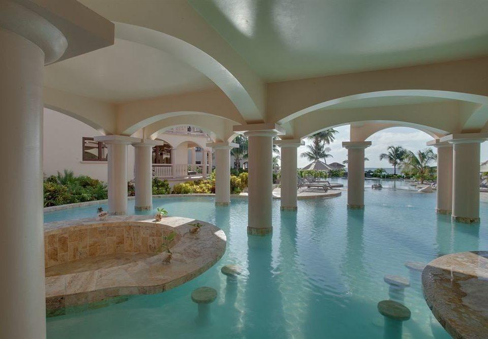 swimming pool property Resort Villa mansion hacienda condominium colonnade