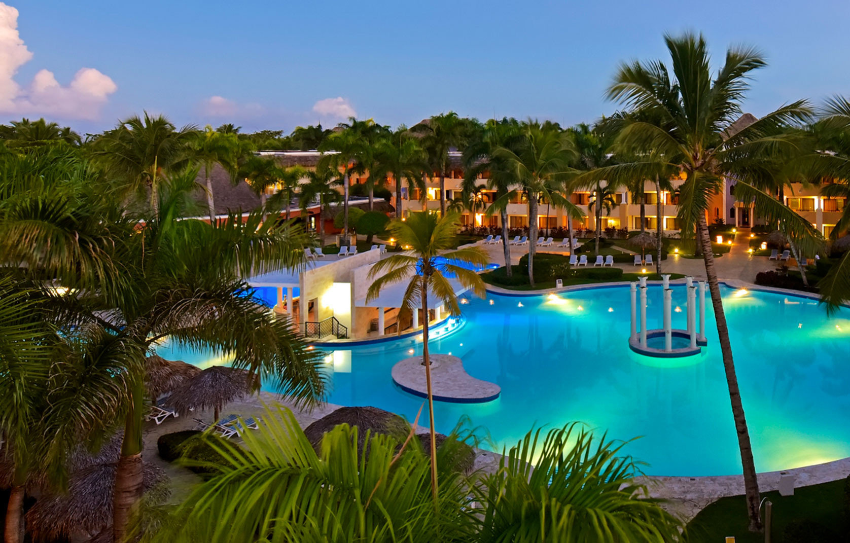 tree sky swimming pool leisure Resort palm property Villa colorful lined day