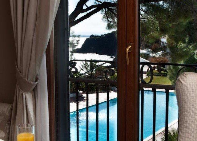 property Resort home Villa condominium mansion cottage overlooking