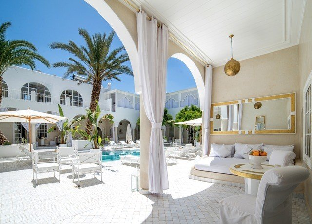 property Villa Resort home mansion condominium hacienda cottage living room