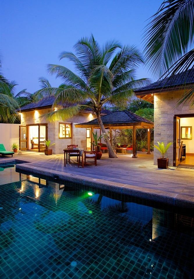 tree swimming pool property leisure Resort house Villa condominium resort town home mansion eco hotel