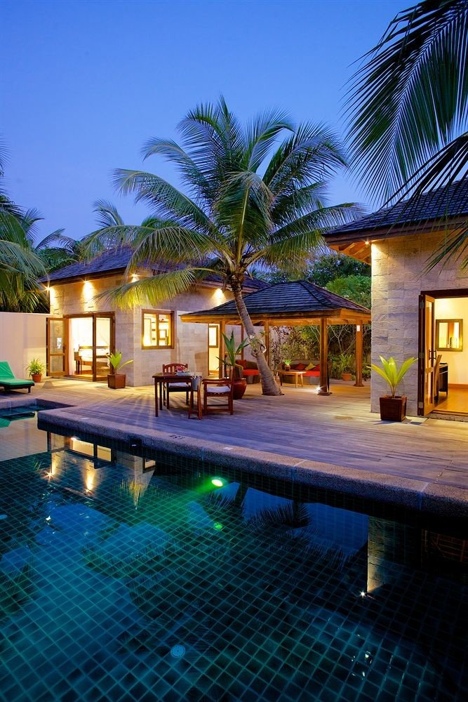 tree swimming pool property leisure Resort house Villa condominium resort town home mansion eco hotel
