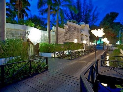 tree property leisure Resort ecosystem swimming pool condominium Villa screenshot mansion walkway