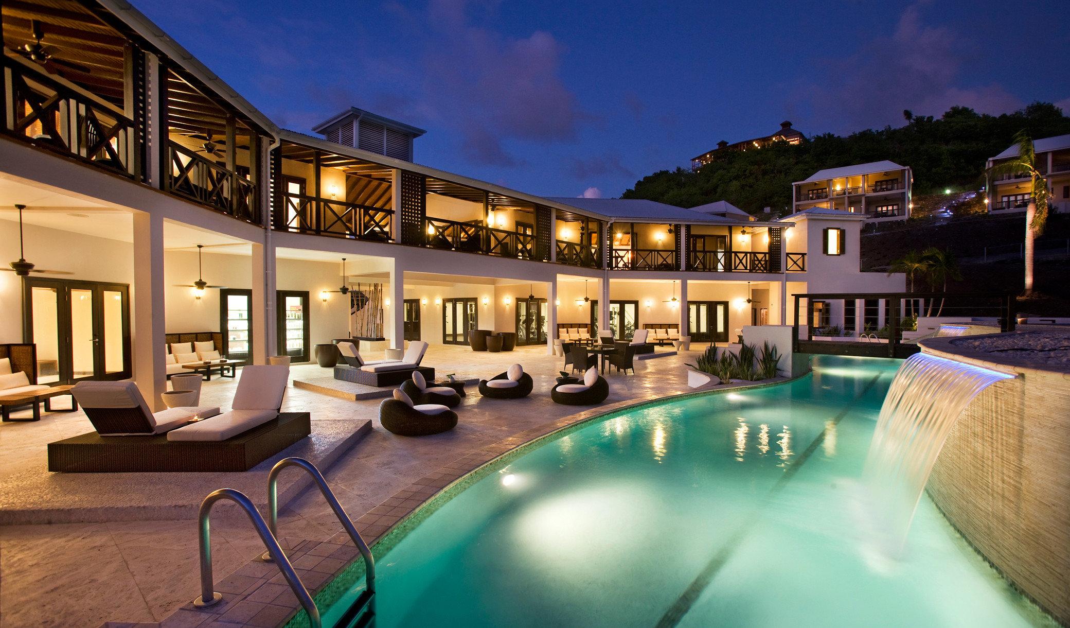 property leisure Resort swimming pool condominium home mansion Villa