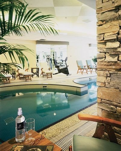 swimming pool property home condominium mansion Resort Villa living room