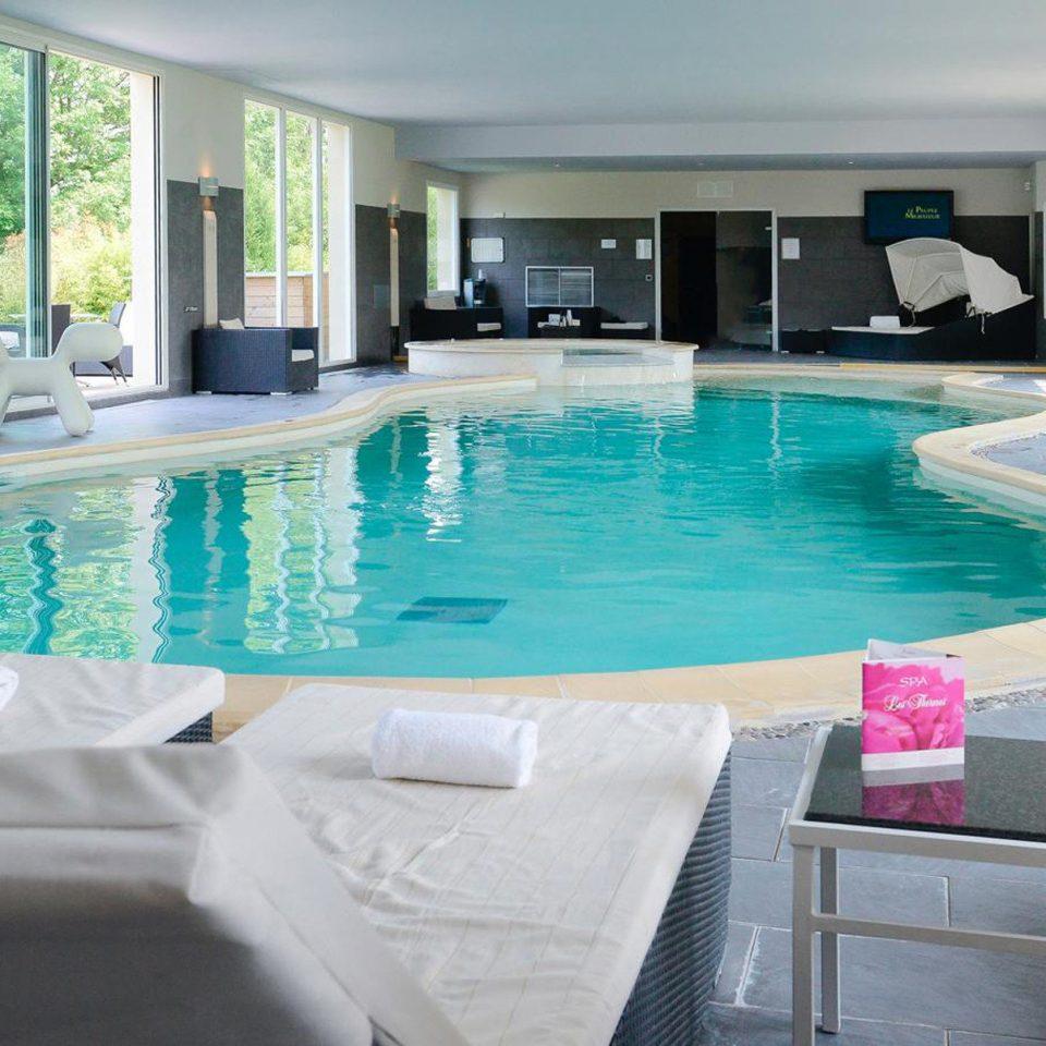 swimming pool property leisure condominium Resort Villa jacuzzi