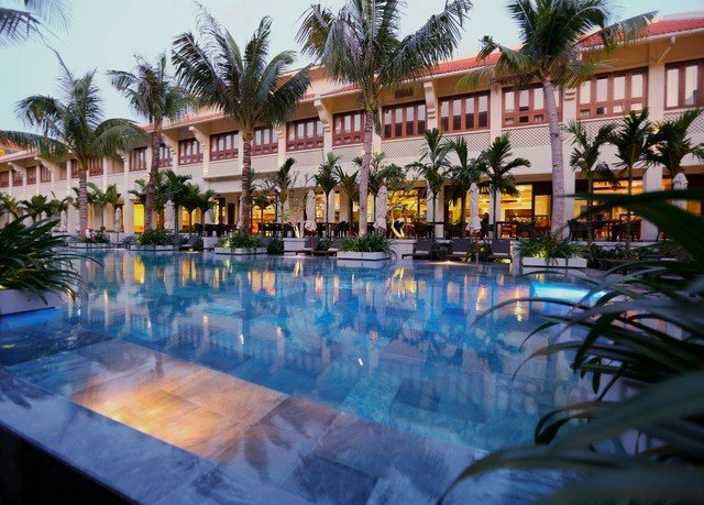 Resort swimming pool property leisure resort town condominium Villa