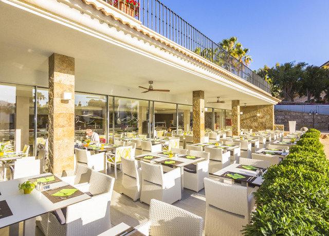 property Resort restaurant condominium plaza Villa