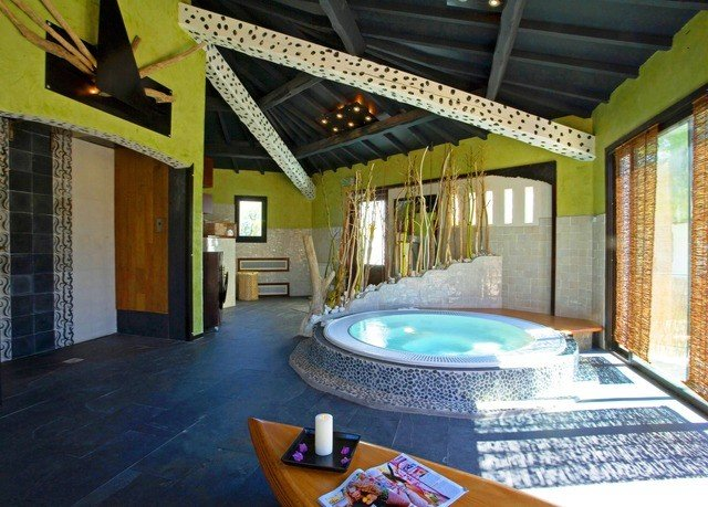 property swimming pool leisure Resort Villa home mansion cottage eco hotel