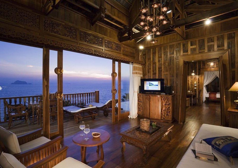 property mansion Resort home Villa cottage living room overlooking