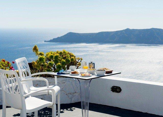 sky property mountain vehicle cottage Resort restaurant Villa overlooking