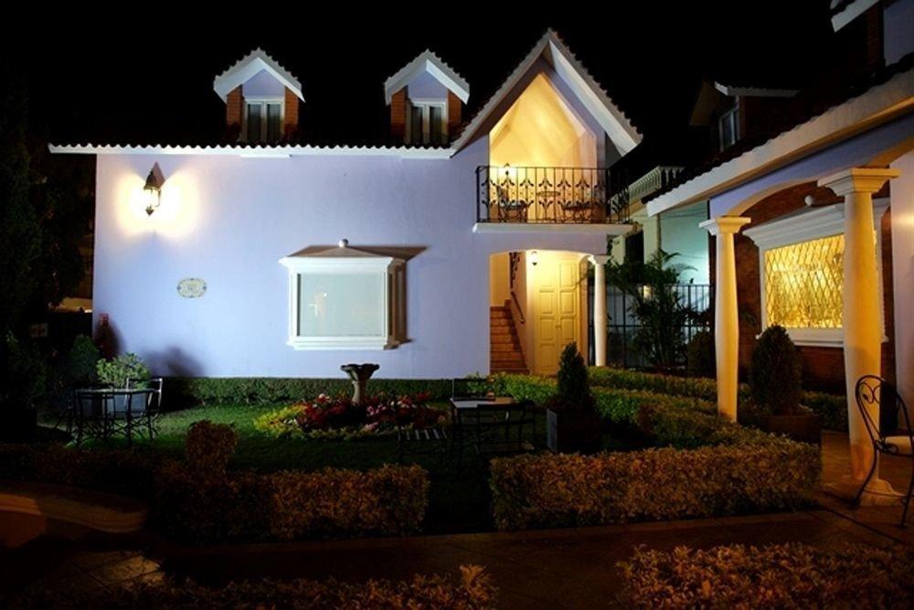 house property home landscape lighting mansion lighting Villa hacienda Resort