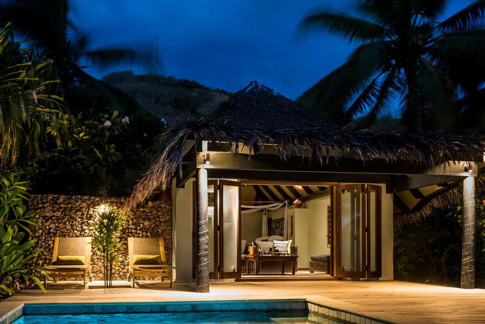 tree house property home Resort mansion Villa swimming pool landscape lighting night