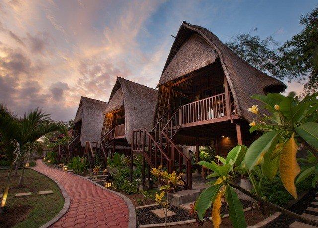 sky property house Resort building home cottage Village Villa mansion