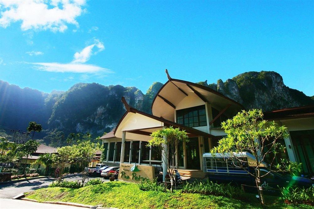 sky mountain grass Resort house hut Village home cottage Villa