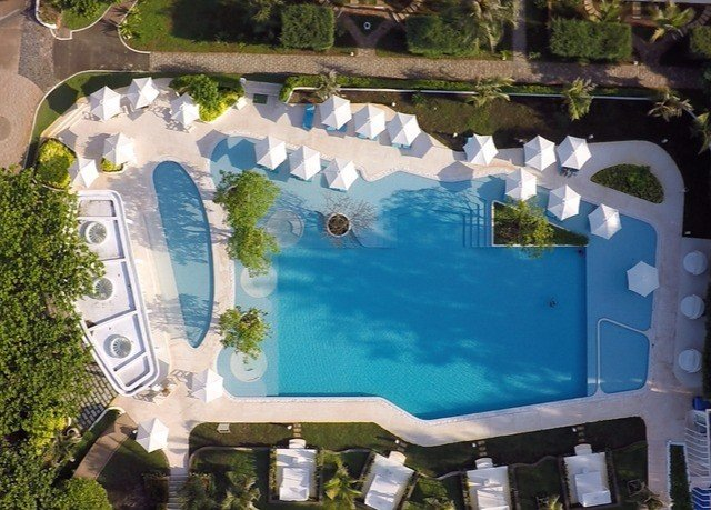 swimming pool leisure property Resort mansion Water park Villa condominium backyard