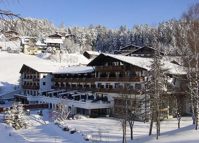 snow sky tree Winter Resort weather season mountain house piste mountain range residential area winter sport