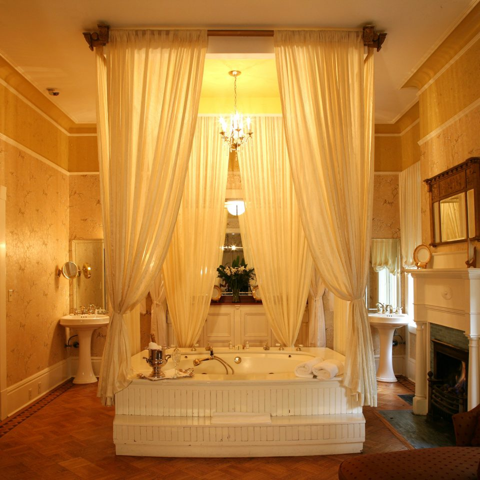Romance Trip Ideas property home Suite mansion living room