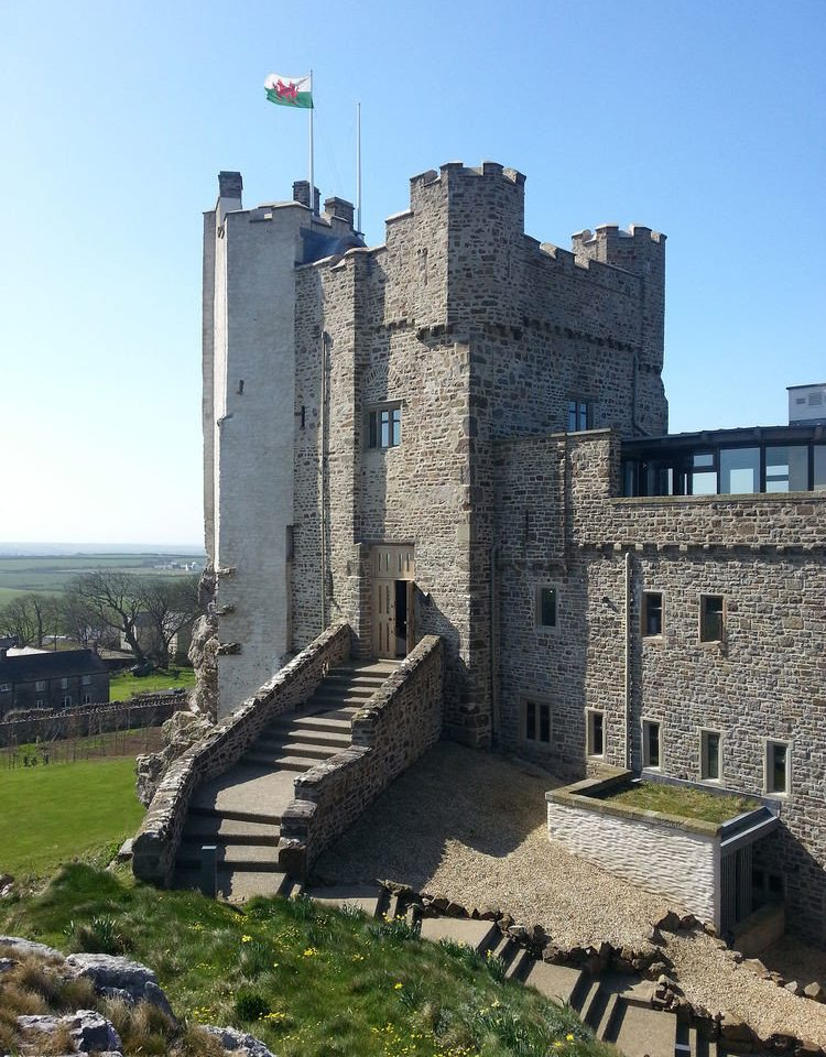 sky grass building landmark castle fortification Ruins stone tower château ancient history park old overlooking cement