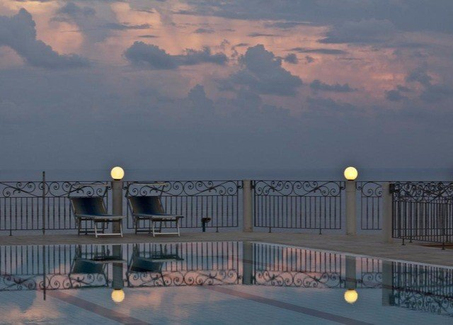 sky horizon cloudy morning evening dusk sunrise Sea Sunset sunlight dawn pier