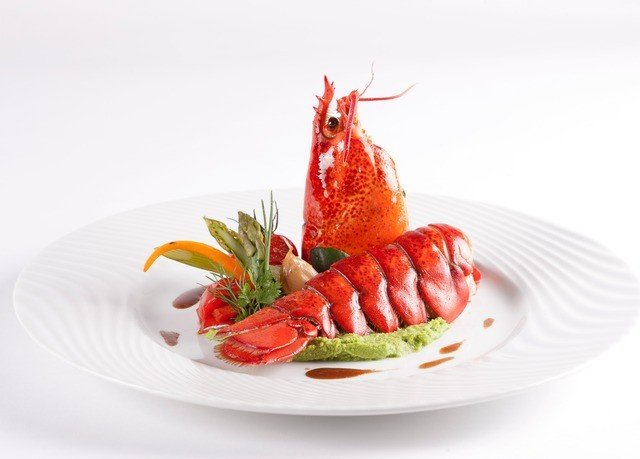plate food white Seafood fish garnish strawberry cuisine hors d oeuvre strawberries invertebrate arranged