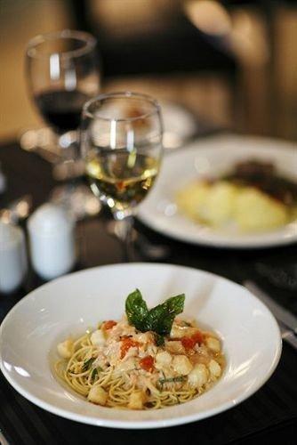 plate food cuisine restaurant italian food supper breakfast european food spaghetti Seafood dinner