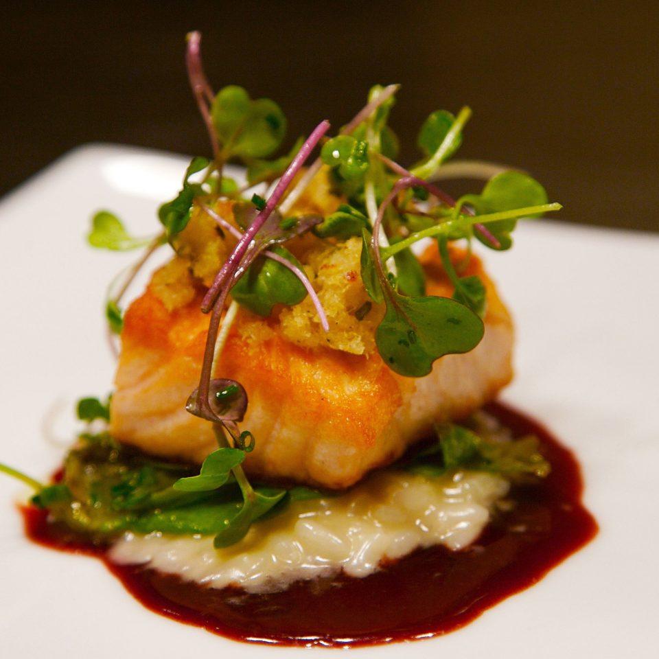 food plate sauce hors d oeuvre cuisine white restaurant bruschetta sense vegetable square pincho Seafood piece de resistance