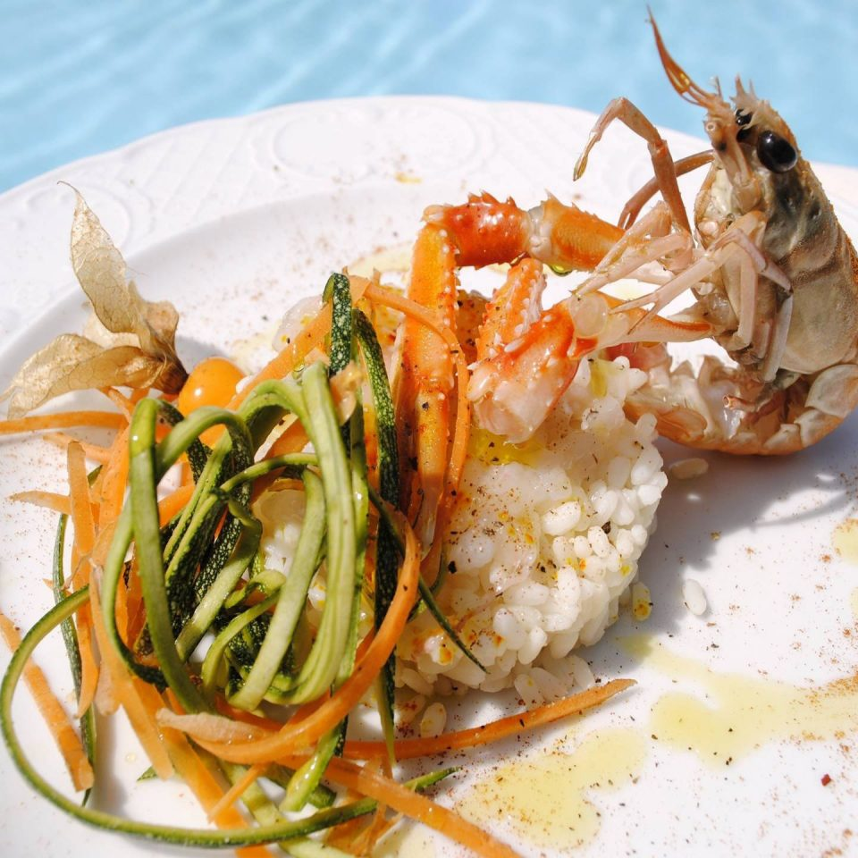 food plate cuisine Seafood fish white scampi thai food invertebrate spaghetti shrimp meat vegetable piece de resistance