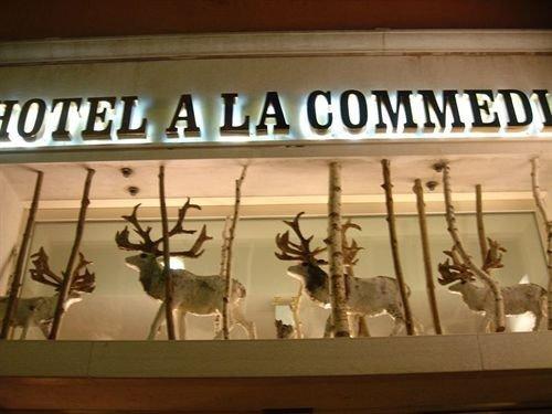 tourist attraction shelf