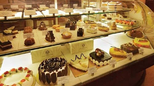 pâtisserie bakery plate food dessert buffet pastry brunch ice cream baking petit four Shop
