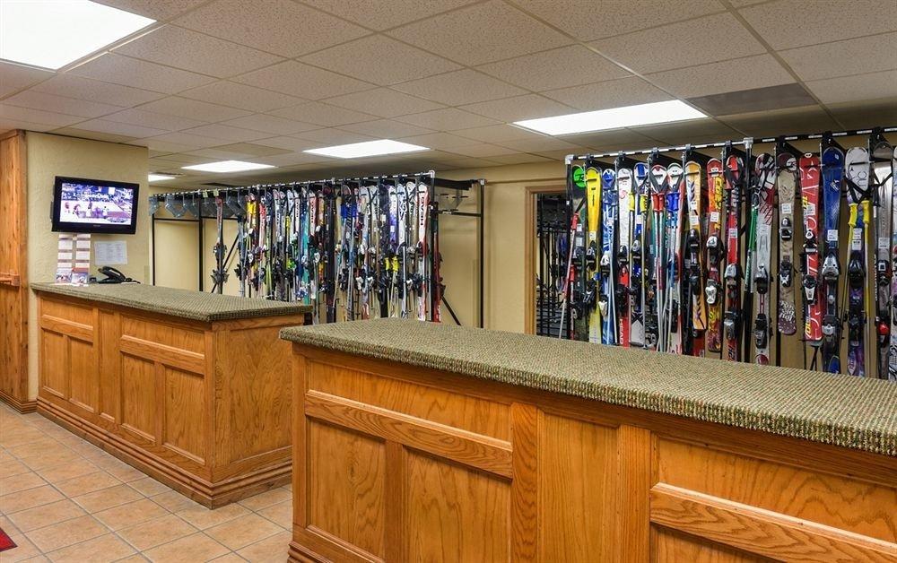 Ski recreation room