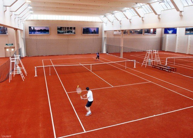 tennis Sport athletic game court structure sport venue sports racquet sport tennis court female match
