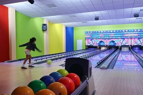 bowling ball game ten pin bowling sports Sport team sport leisure centre leisure individual sports