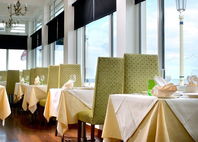 restaurant function hall Suite banquet