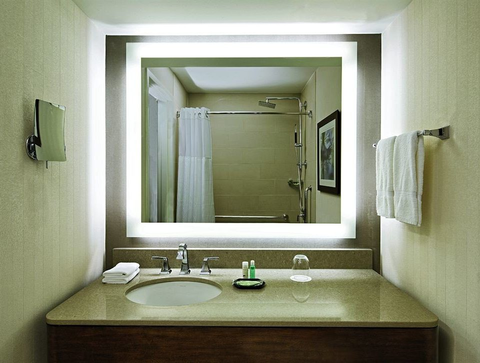 bathroom mirror sink property home toilet plumbing fixture bathroom cabinet Suite