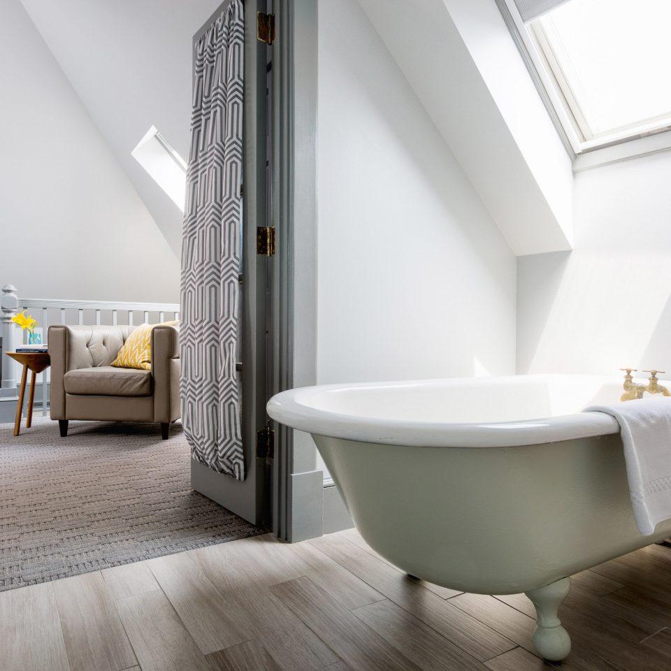 property bathroom bathtub flooring plumbing fixture bidet Suite