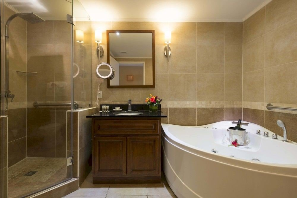 bathroom property sink vessel home Suite bathtub cottage plumbing fixture tile tub