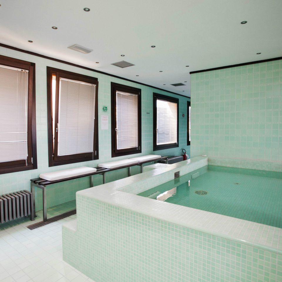 property green bathroom swimming pool bathtub Suite