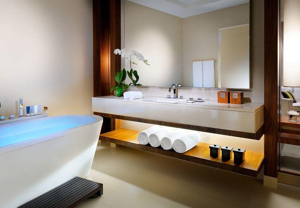 bathroom property sink Suite bathtub home tub