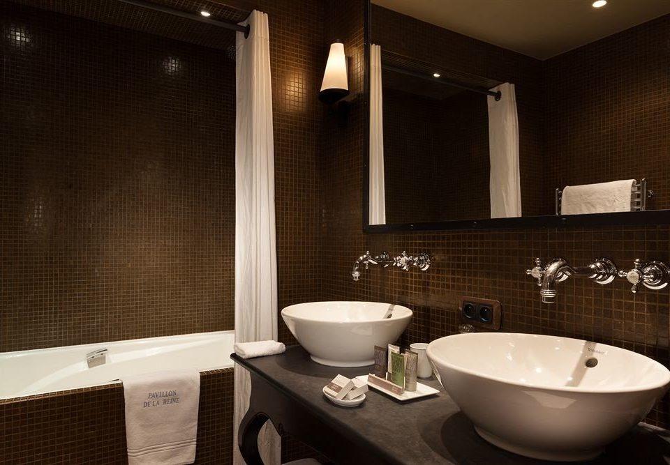 bathroom sink mirror Suite lighting bathtub plumbing fixture