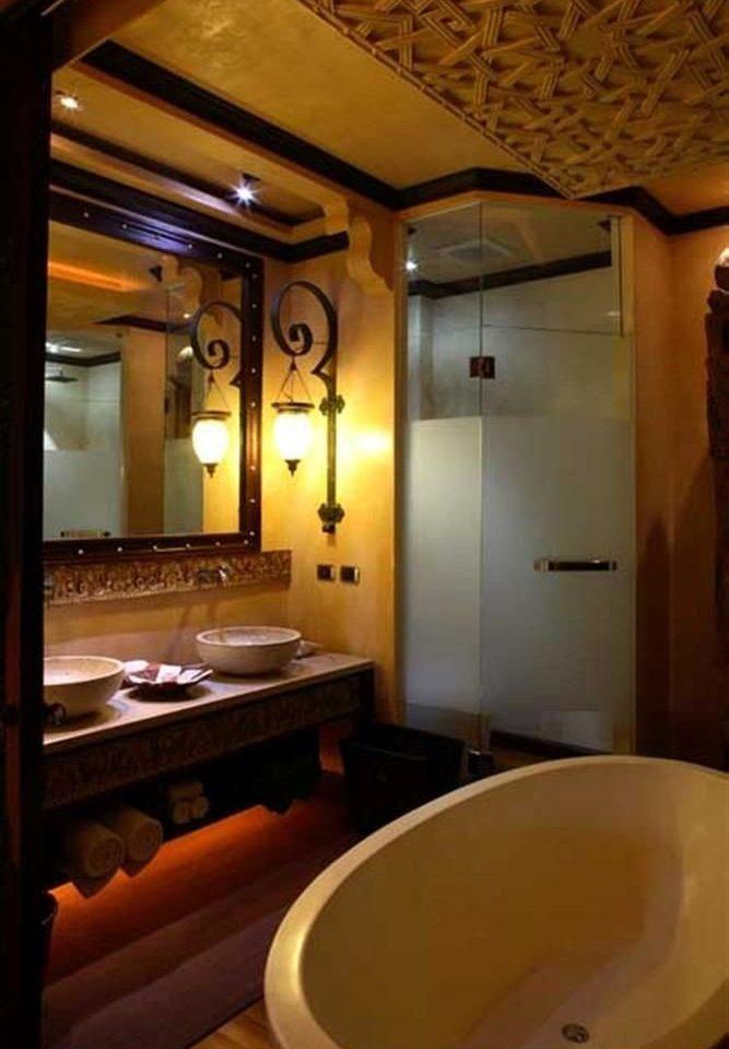 bathroom sink Suite tub bathtub