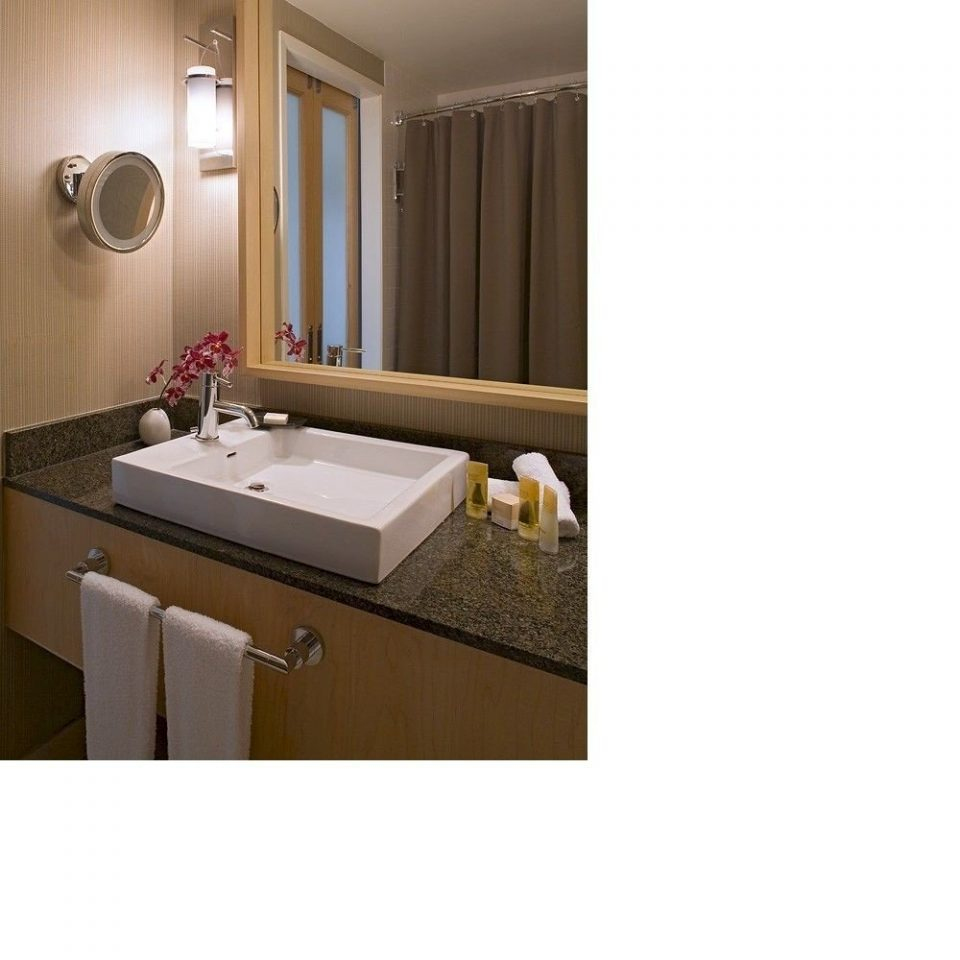 bathroom property swimming pool flooring bidet Suite plumbing fixture sink colored