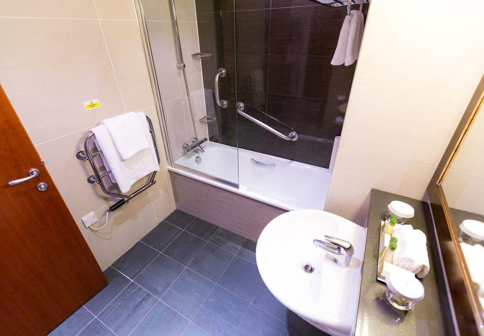 bathroom property building toilet Suite home sink cottage