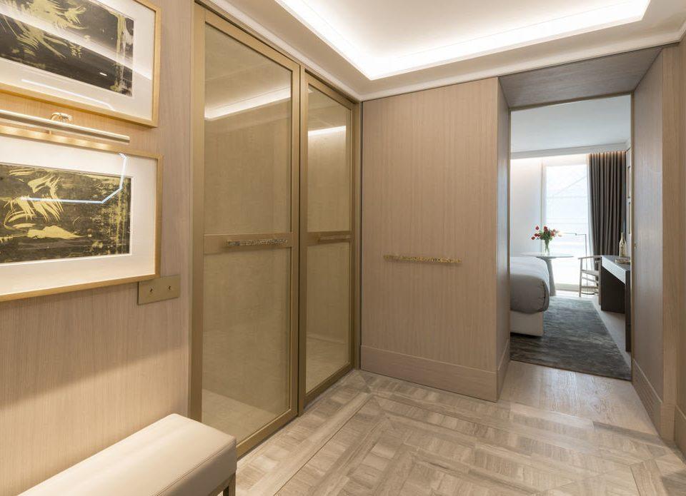 bathroom property building sink home Suite flooring tub