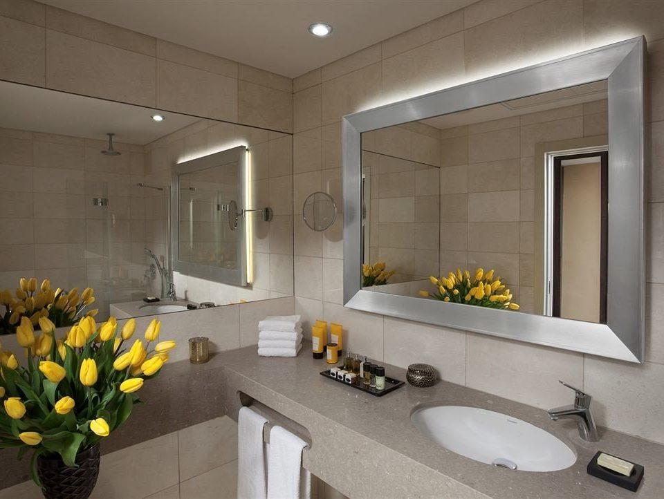 property bathroom yellow home lighting counter sink living room Suite bunch condominium flooring