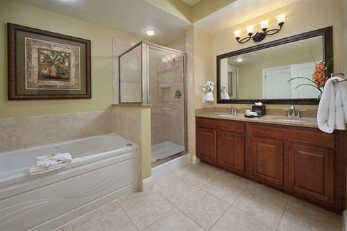 bathroom sink property home cuisine classique hardwood cottage cabinetry Suite flooring