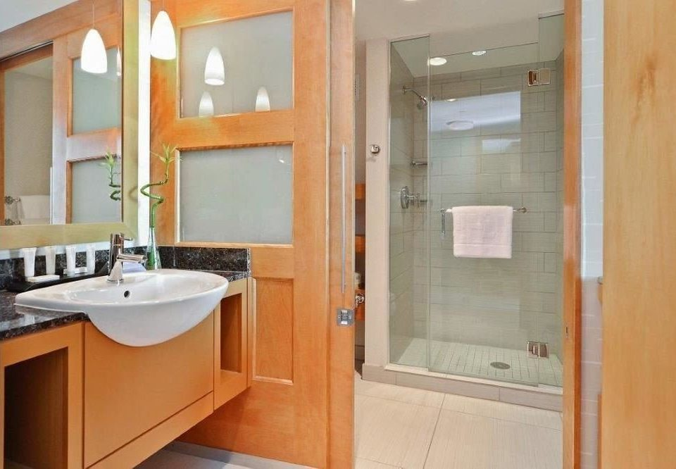 bathroom property home sink cottage Suite cabinetry