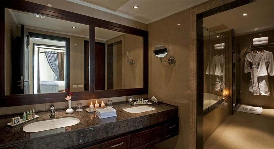 bathroom mirror sink property home Suite lighting cabinetry